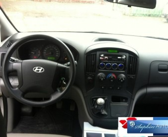 Hyundai Grand Srarex 5 мест , 2010 год .
